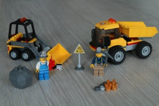 Lego City 4201 Loader and Dump Truck